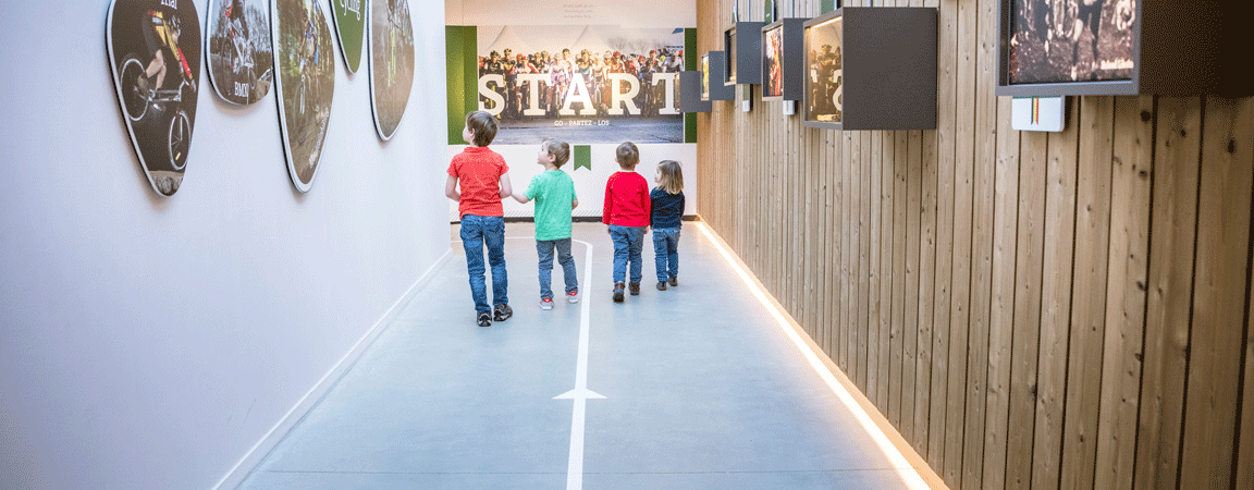 Kinderen in het Sven Nys Cycling Center